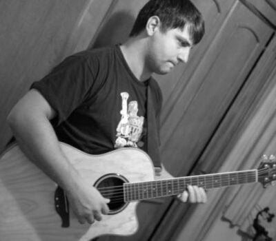 Gravação de Descompasso - Sandro com violão
